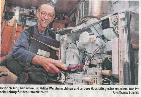 Runder Tisch Reparatur verleiht Goldenen Schraubenzieher